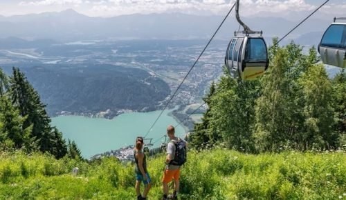 Wandern hoch über Ossiacher See auf Gerlitzen Alpe in Kärnten - Kanzelbahn in Region Villach - Österreich Urlaub