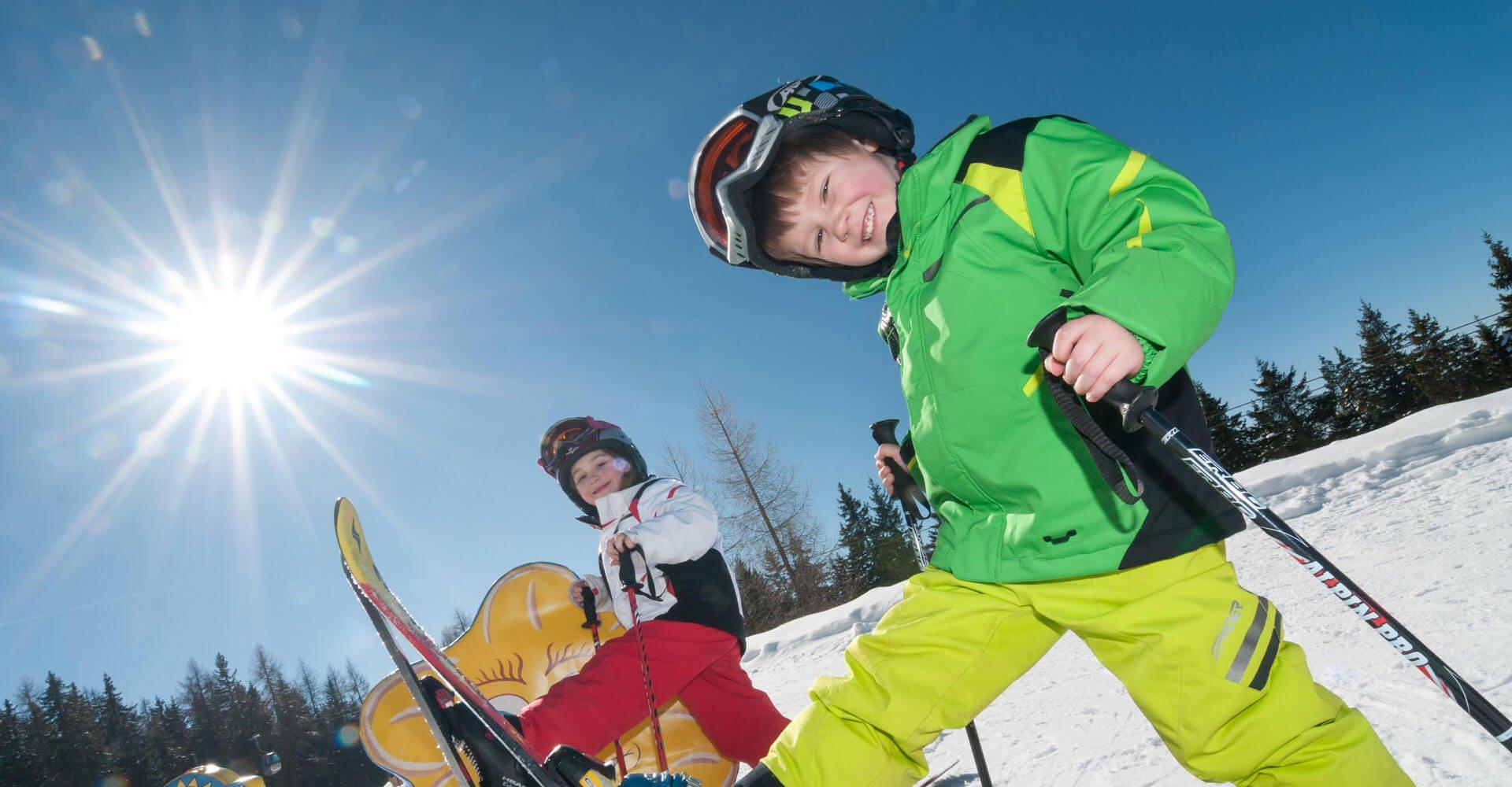 Kinder im Familienskigebiet in Kärnten auf Gerlitzen Alpe - Unterkünfte Nähe Skipiste Pension Pilsachhof Arriach Klösterle
