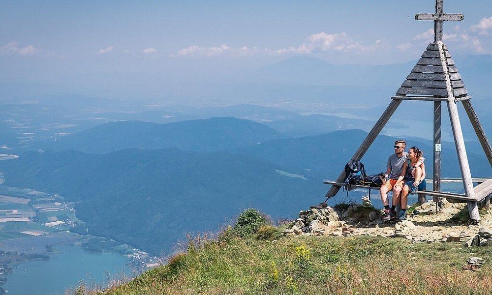 Wandern auf Gerlitzen Alpe mit herrlichem Panorama auf Ossiacher See und Kärnten - Wanderurlaub Pension Pilsachhof