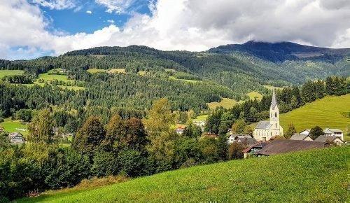Urlaub in Arriach - Wanderwege im Herbst rund um die Gerlitzen Alpe