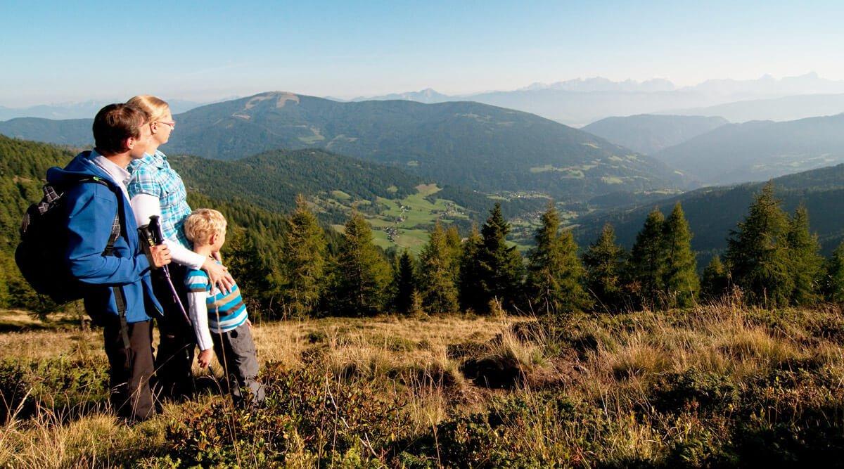 Wanderung in Nockbergen,  Gerlitzen Alpe mit der ganzen Familie im Wanderurlaub in Pension